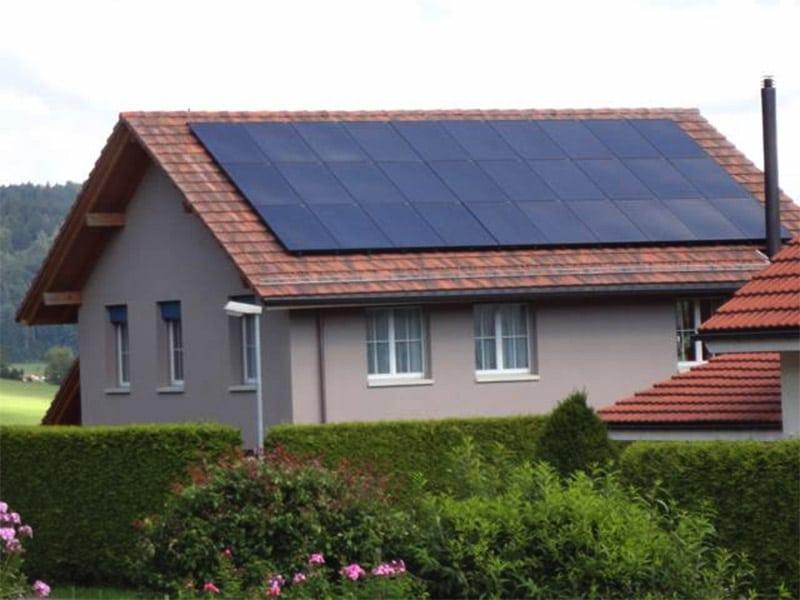 Aufdach-Photovoltaik-Installation