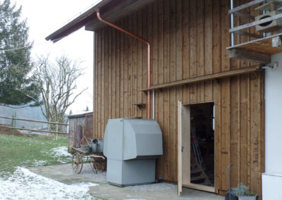 Fassadensanierung mit Deckleistenschalung in Bichelsee