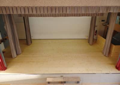 Ersatz Holzriemenboden Bühne in Bichelsee